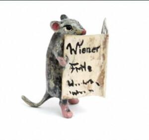 Mouse with News (Myš čte noviny)---- VIENNA BRONZE ---